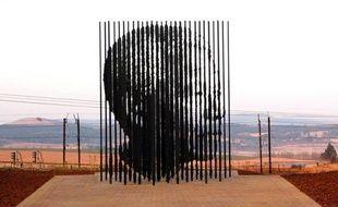 Une statue de Nelson Mandela a été inaugurée samedi à Howick, près de Durban, en présence du président sud-africain Jacob Zuma, sur les lieux même de l'arrestation il y a cinquante ans ans du dirigeant noir sud-africain alors qu'il luttait clandestinement contre l'apartheid.