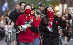 De profondes divergences sont apparues mercredi dans les négociations entre le gouvernement du Québec et les étudiants pour trouver une issue au conflit sur les frais de scolarité, mais les parties sont néanmoins convenues de poursuivre leurs pourparlers jeudi.