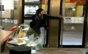 Un homme attaque un McDonald à coups de bombe au poivre, à Galway, en Irlande
