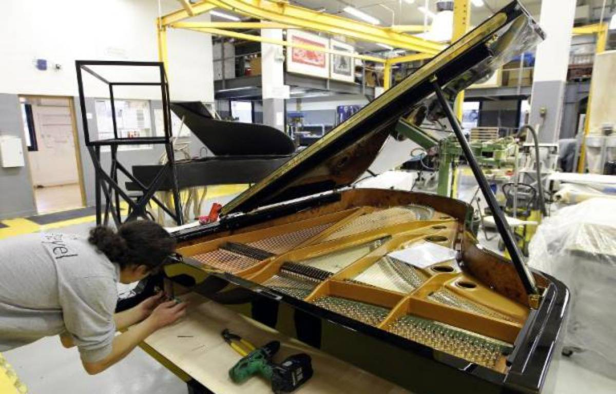 Chopin, Liszt, Debussy ou encore Saint-Saëns y ont joué leurs plus belles partitions: les prestigieux pianos Pleyel ne sortiront bientôt plus de la manufacture de Saint-Denis qui fermera ses portes en fin d'année, 200 ans après la création de la marque. – Francois Guillot AFP