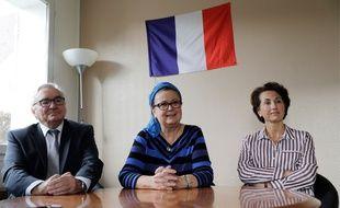 Christine Boutin (au centre), présidente d'honneur du Parti chrétien démocrate annonce dans une conférence de presse samedi 21 octobre qu'elle démissionne de ses fonctions de conseillère départementale des Yvelines.