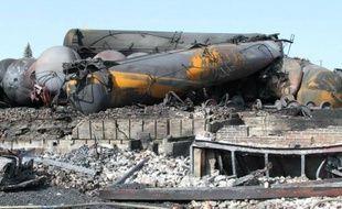 Deux semaines après l'explosion d'un train au cœur d'une bourgade québécoise, la police a annoncé vendredi que le bilan définitif de l'accident, le pire au Canada en 15 ans, était de 47 morts