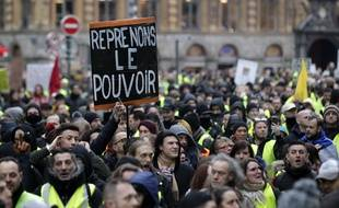 Lille, le 12 janvier 2019. Acte 9 du mouvement des gilets jaunes. La manifestation de Lille a rassemble entre 1800 (police) et 3000 (GJ) personnes.