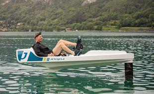 Enseignant-chercheur à l'université Savoie-Mont-Blanc, Christophe Déprès a testé à de nombreuses reprises le JetCycle.