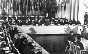 Tombées dans l'oubli avant d'être découvertes par hasard dans un ministère américain, des transcriptions inédites de la conférence de Bretton Woods lèvent le voile sur la difficile naissance du FMI et de la Banque mondiale en 1944.
