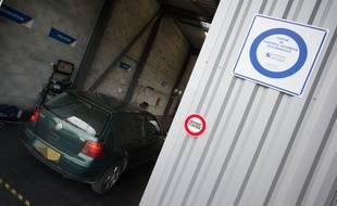 Illustration d'un contrôle technique automobile.