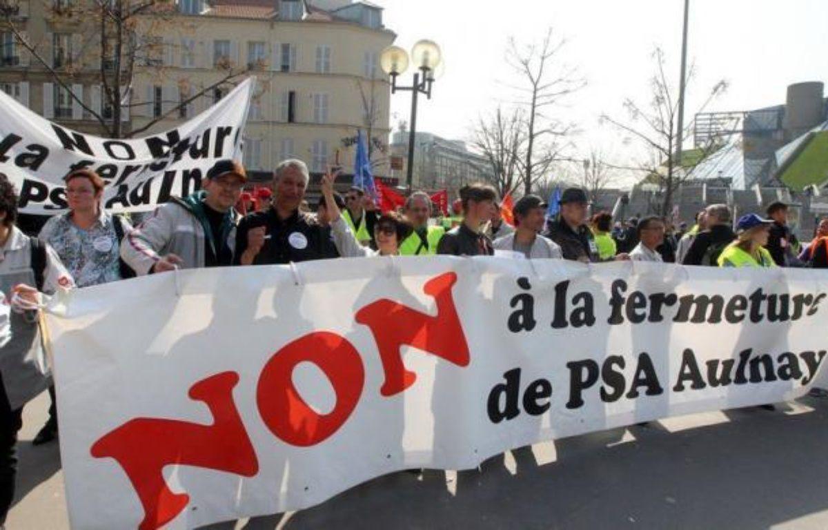 LL'arrêt de la production à l'usine PSA d'Aulnay à l'horizon 2014, qui pourrait être annoncé jeudi, était inscrit dans un scénario révélé à grand fracas par la CGT en juin 2011 et finalement appliqué à la lettre par le constructeur, malgré la mobilisation des syndicats depuis un an. – Pierre Verdy afp.com