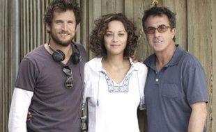 Guillaume Canet, Marion Cotillard et François Cluzet, sur le tournage des Petits Mouchoirs, de Guillaume Canet