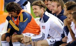 David Beckham, qui a signé un nouveau contrat en faveur des Los Angeles Galaxy après avoir notamment décliné une offre du Paris SG, a indiqué jeudi que le bien-être de sa famille et l'avenir du football aux Etats-Unis avaient fait pencher la balance.