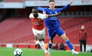 Jordi Osei-Tutu, prêté par Arsenal à Bochum pour la saison 2019-2020, a été victime de racisme lors d'un match amical.