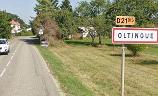 Un des panneaux de l'entrée d'Oltingue a été remplacé par celui de Liebsdorf (illustration).