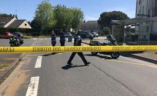 Une rue barrée après l'attaque au couteau survenue à La Chapelle sur Erdre, le 28 mai 2021