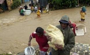 Le bilan de la tempête tropicale Noël qui a touché dimanche la République dominicaine s'est alourdi à 16 morts et 15 disparus, a annoncé mardi le Centre des opérations d'urgence (COE), tandis que des sources non officielles faisaient état d'environ 25 morts.