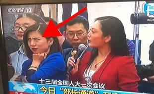 Une journaliste chinoise se grille en direct - Le Rewind