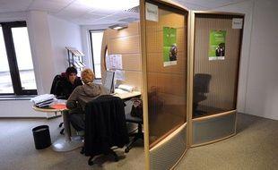 Entretien à Issy-les-Moulineaux dans une agence de l'ANPE