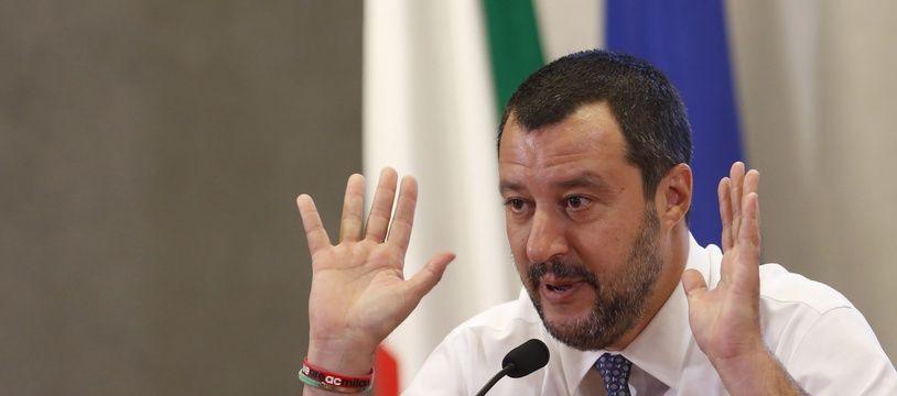 Matteo Salvini a annoncé ce vendredi que les ports italiens seraient fermés aux ONG tout l'été.