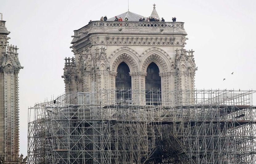 Les infos immanquables du jour: Notre-Dame de Paris après l'incendie, sécurité sur les chantiers, RIC et fiscalité