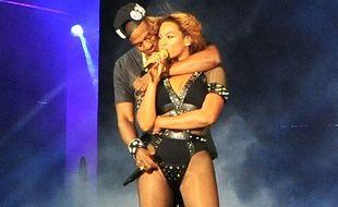JAY-Z et Beyoncé sur scène à Paris en 2014.