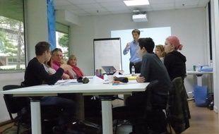 Durant le stage de deux jours, les participants apprennent les méthodes qui leur permettront de développer leurs capacités de mémorisation.