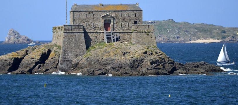Illustration du Fort National à Saint-Malo.