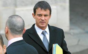 Le ministre de l'Intérieur, Manuel Valls, dit porter une attention particulière à la sécurité dans les transports.