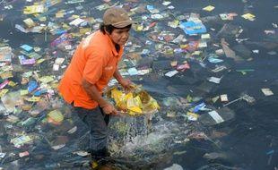 Ramassage de déchets aux Philippines (illustration).