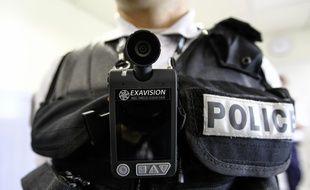 Le gouvernement veut généraliser les caméras piétons pour les policiers et gendarmes.