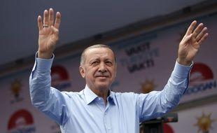 Le président turc Recep Tayyip Erdogan lors d'un meeting de l'AKP le  23 juin 2018 à Istanbul.