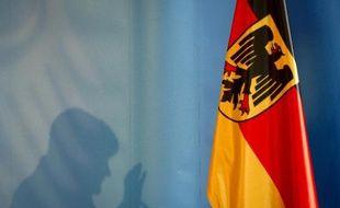 Selon Der Spiegel, les services secrets allemands avaient espionné au moins une conversation téléphonique du secrétaire d'Etat américain John Kerry.