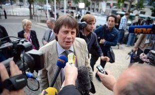 """Le secrétaire général de la CGT, Bernard Thibault, a affirmé jeudi que l'annonce de la suppression de 8.000 emplois en France par PSA Peugeot Citröen constituait un """"séisme""""."""
