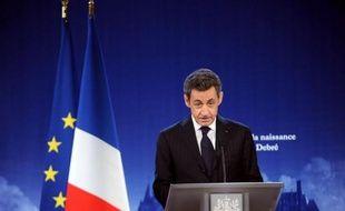 Le président français Nicolas Sarkozy est arrivé lundi à Madrid pour rencontrer le chef du gouvernement conservateur espagnol Mariano Rajoy, en pleine tourmente en zone euro après la dégradation de neuf pays dont la France et l'Espagne, a rapporté une journaliste de l'AFP.