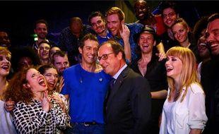 François Hollande, samedi 7 novembre 2015 avec la troupe de Résiste