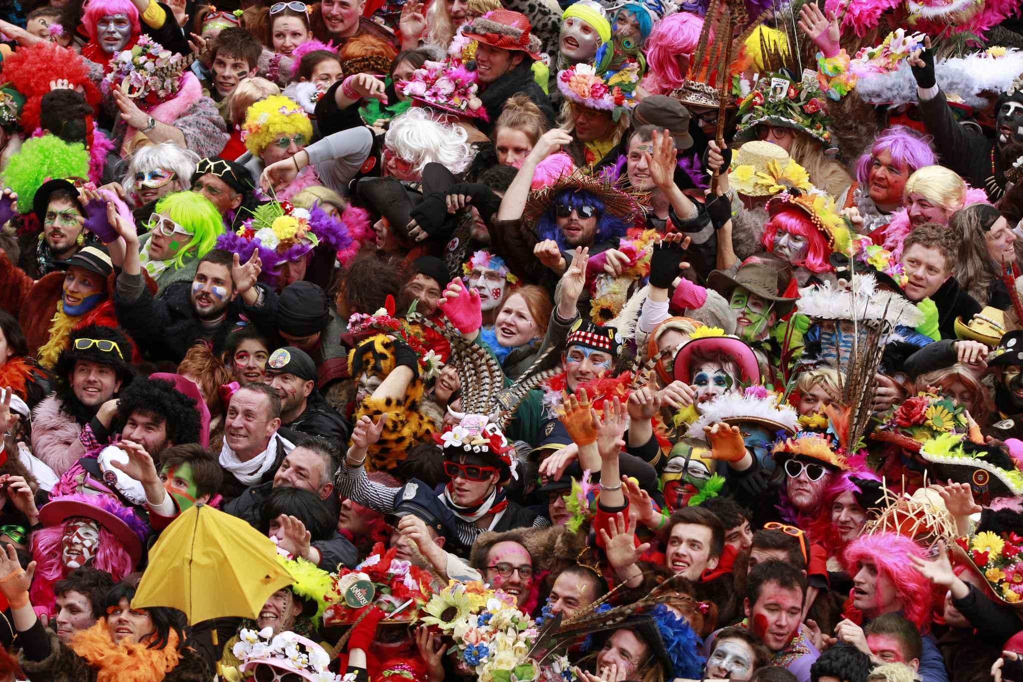 Carnaval de dunkerque fin de tol rance pour les d guisements militaires et religieux - Office du tourisme de dunkerque ...