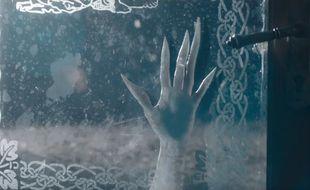 Image extraite du clip de la chanson de Mylène Farmer «A City of Love».