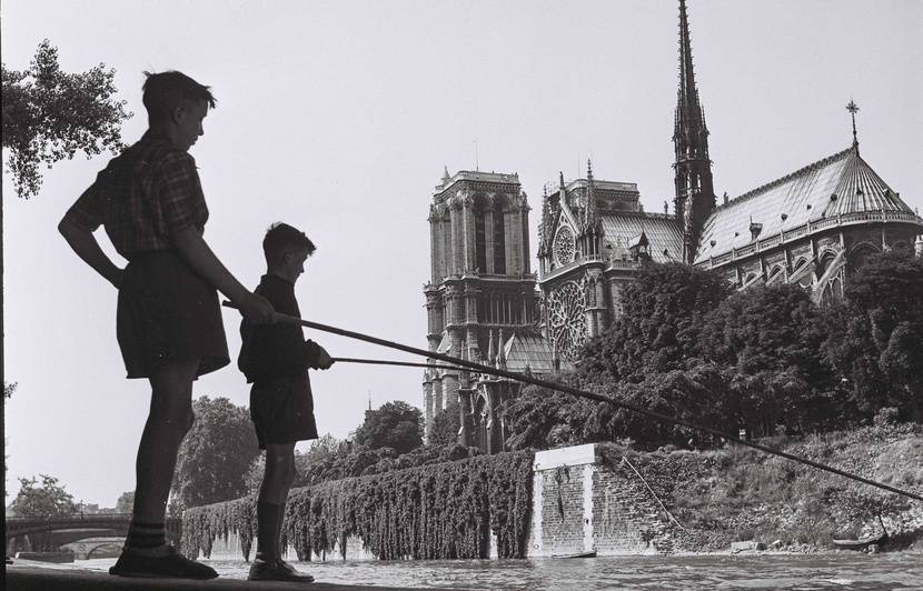 Incendie à Notre-Dame de Paris: A l'identique ou modernisée, comment voudriez-vous que la cathédrale soit reconstruite?
