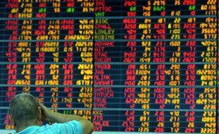Les marchés émergents, déjà touchés de plein fouet par le resserrement à venir de la politique monétaire américaine, essuient une nouvelle bourrasque avec les incertitudes sur la Syrie qui poussent les investisseurs à la prudence.