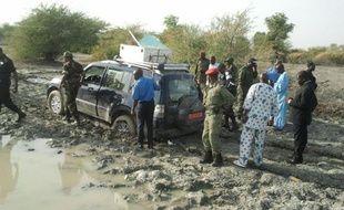 Des gendarmes français participent depuis mardi au Cameroun à l'enquête sur l'enlèvement de sept Français dont quatre enfants, qui n'a pas été revendiqué mais que Paris attribue à la secte islamiste nigériane Boko Haram.