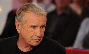 Le comédien Yves Renier, en 2016 sur le plateau de l'émission «Vivement Dimanche».