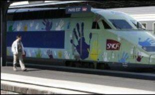 La SNCF a entamé lundi sur la ligne Méditerranée des tests sur une augmentation de la vitesse des TGV à 360 km/h, contre 300 km/h pour les TGV actuels et 320 km/h pour le futur TGV Est, a annoncé sa nouvelle présidente Anne-Marie Idrac.