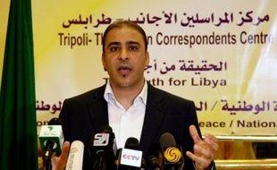 La Libye a annoncé samedi l'arrestation d'un des derniers sbires de Mouammar Kadhafi, son porte-parole Moussa Ibrahim qui dément l'information, alors que de nouveaux combats ont fait neuf morts dans l'ouest du pays, un an jour pour jour après la capture et la mort du dictateur libyen.