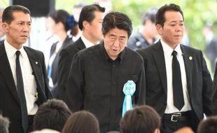 Le Premier ministre japonais Shinzo Abe le 23 juin 2015 à Okinawa