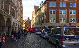 Münster, le 7 avril 2018. - Une voiture a fait au moins quatre morts à Münster (Allemagne) après avoir foncé dans la foule.
