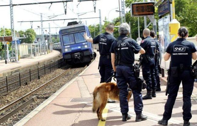 Tag incidents sur Tout sur le rail 648x415_agents-surete-generale-sncf-quai-rer-villeneuve-saint-georges-5-juillet-2012
