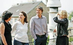 Nicolas Hulot entouré de Michèle Rivasi, Cécile Duflot et Eva Joly (de g. à dr.), samedi à Paris.