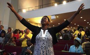 Les fidèles de l'église baptiste New Bethel de Detroit où officiait le père d'Aretha Franklin lui ont rendu un vibrant hommage ce dimanche.