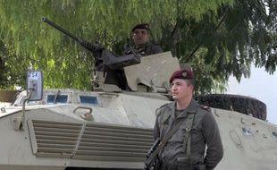 Les forces tunisiennes sont engagées mercredi dans des combats avec un groupe d'une cinquantaine de jihadistes armés retranchés sur le mont Chaambi (Ouest), a indiqué à l'AFP un source sécuritaire sur le terrain des opérations.