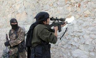 Des rebelles à Alep le 24 novembre 2013