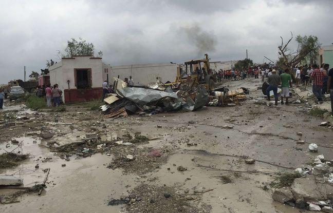 Une tornade a balayé des centaines de maisons et fait au moins onze morts à Ciudad Acuña, au Mexique, le 25 mai 2015.
