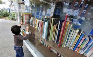 En moyenne, les jeunes lisent chaque trimestre quatre livres dans le cadre de leurs loisirs et deux pour l'école