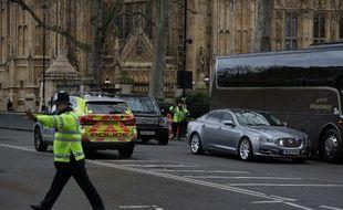 Panique devant le Parlement britannique.